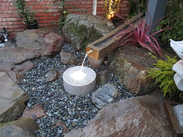 Xeriscaping drought tolerant landscaping in san for Recirculating water feature