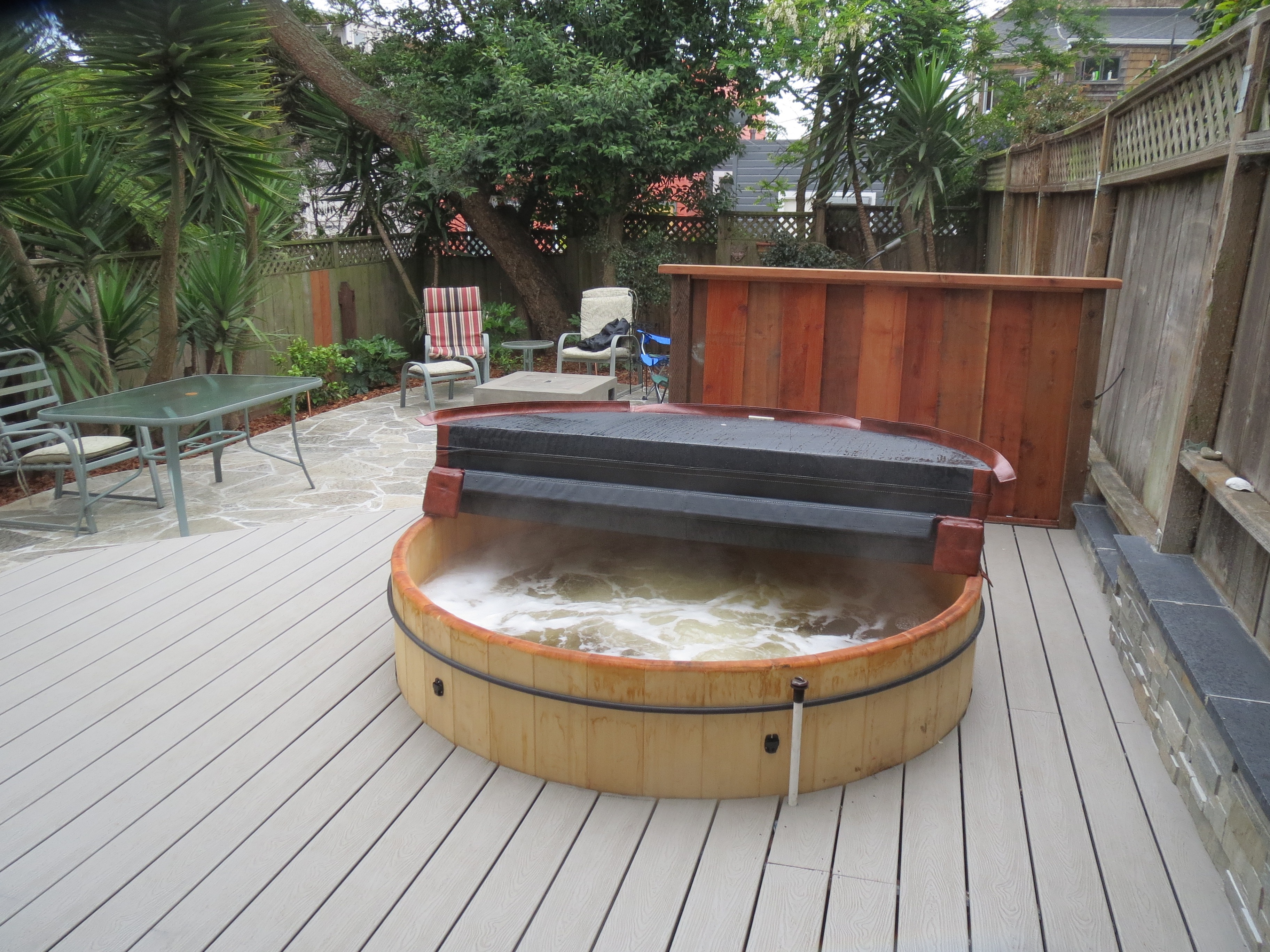 Installing japanese style hot tubs in the san francisco for Hot tub styles